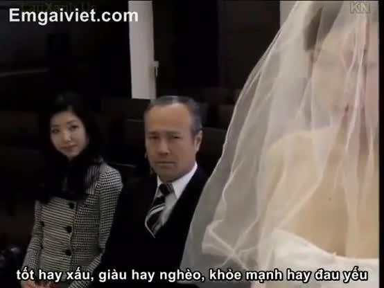 Asiatica se casa com filho mas é o pai que soca a piroca primeiro nela