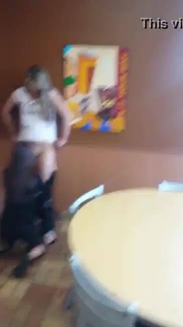 lesbicas se chupando no mcdonalds