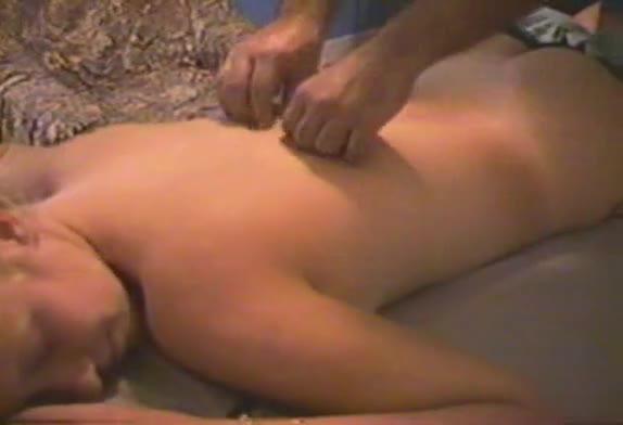 Puta carioca tem video vazado fazendo massagem